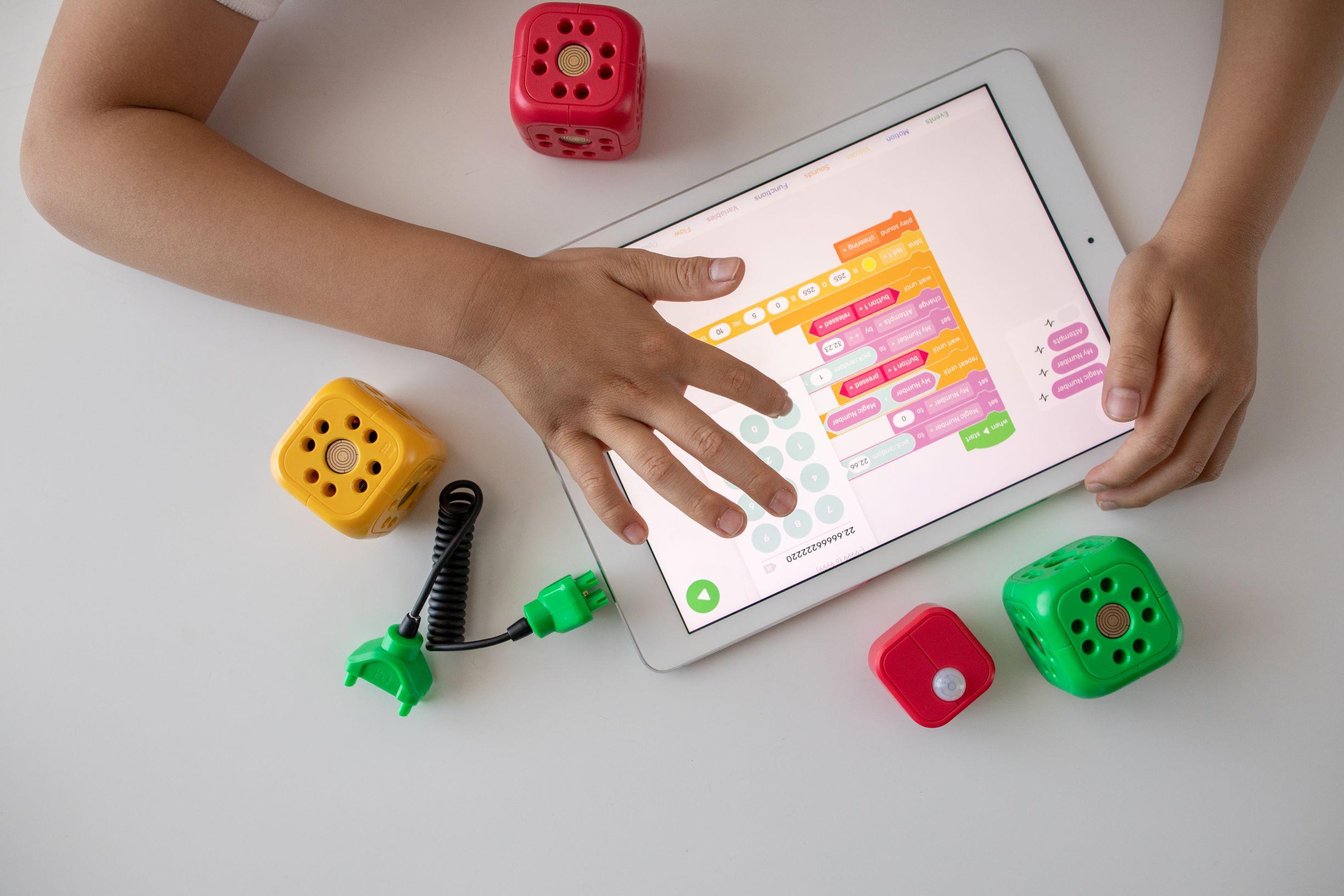 Li.Edu.Co. | Studiare la matematica giocando con un robot