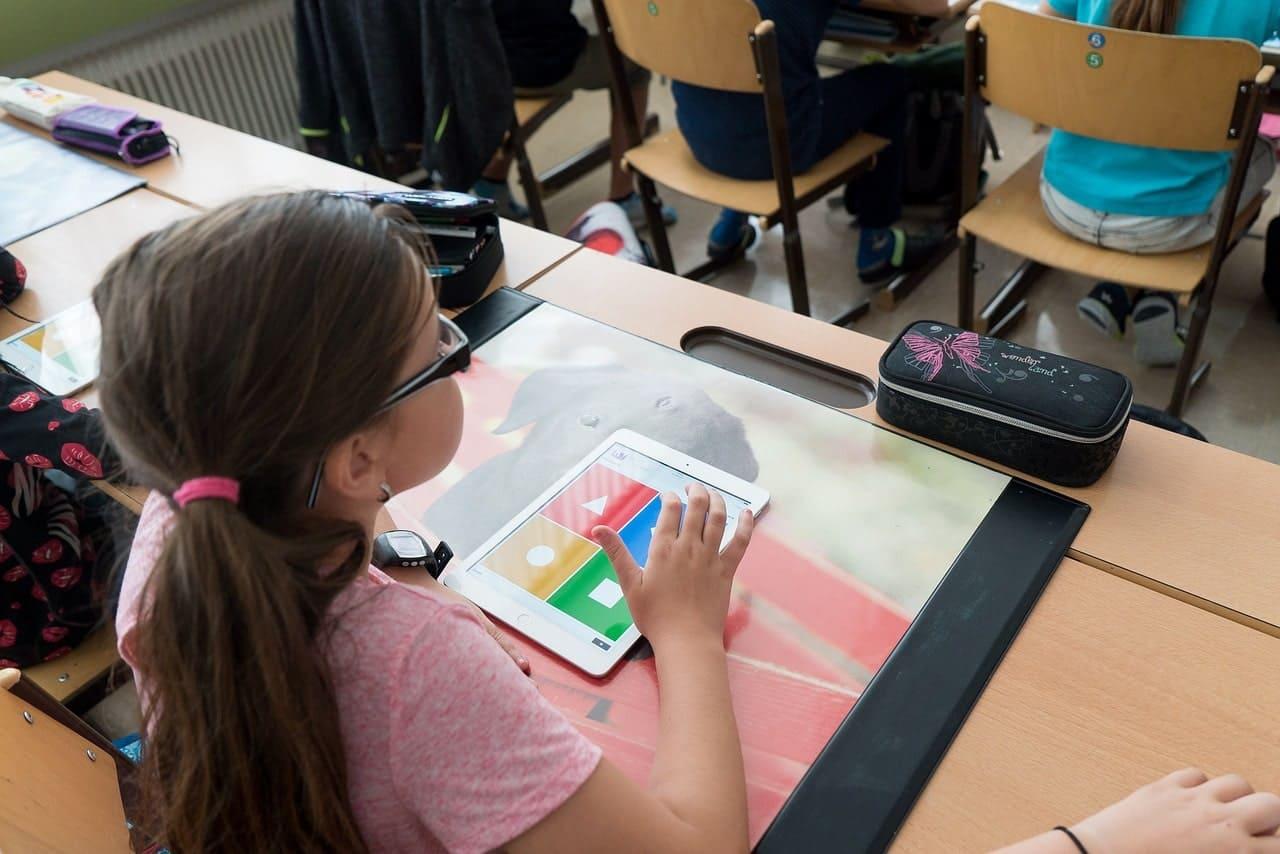 Li.Edu.Co. | La digitalizzazione della scuola: sfide e potenzialità